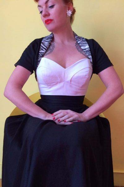 Top Anita loneta