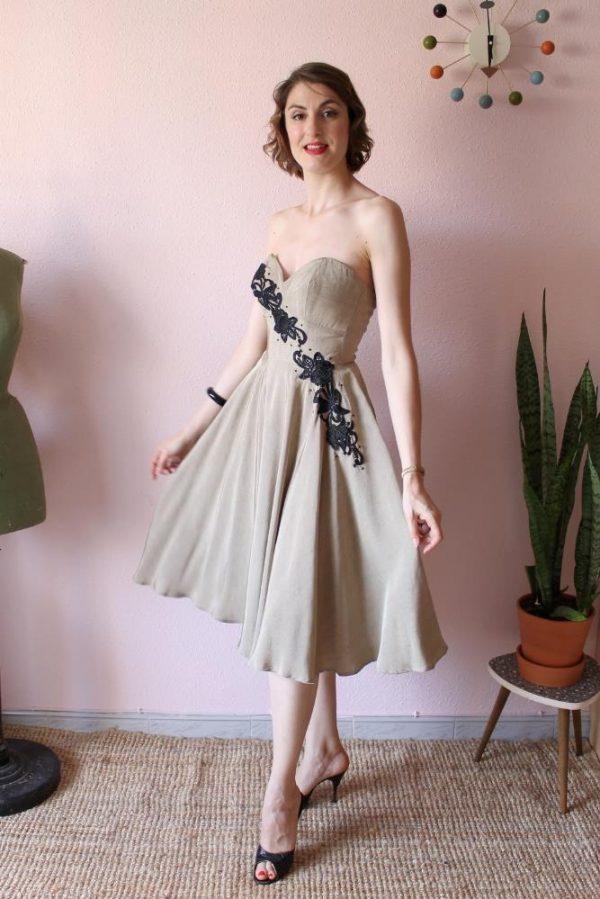 Diagonal dress beige silk 8 p